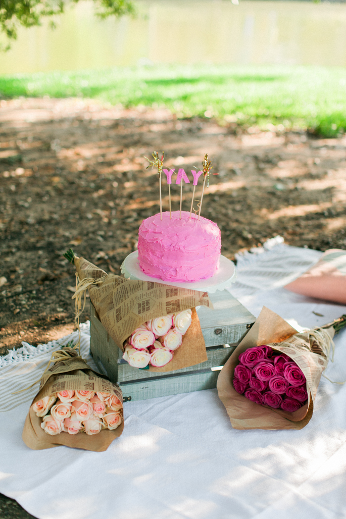 pink-birthday-cake-and-roses