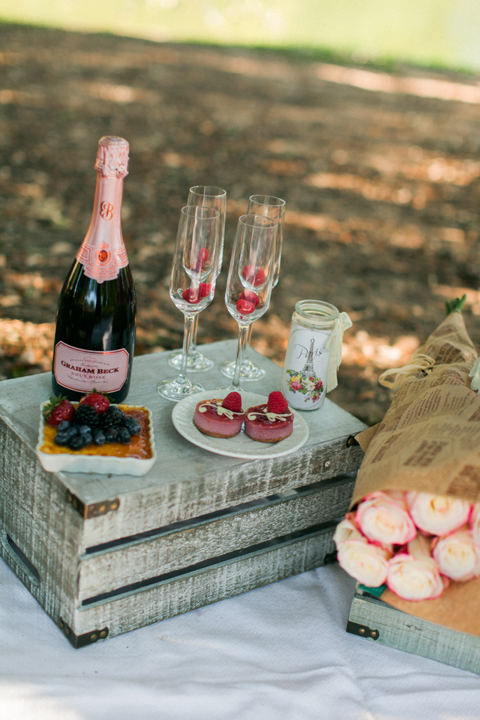 pink-champagne-and-pastries