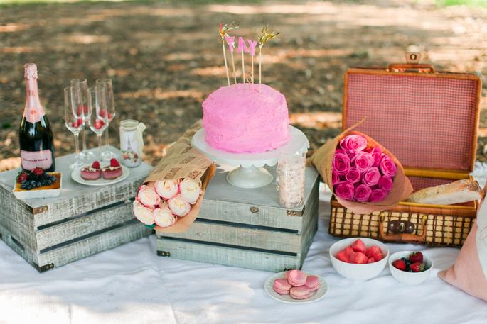 whimsical-picnic-shoot
