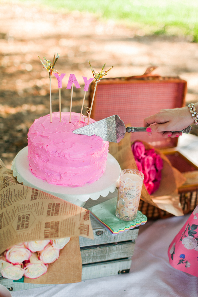 elegant-cake-knife
