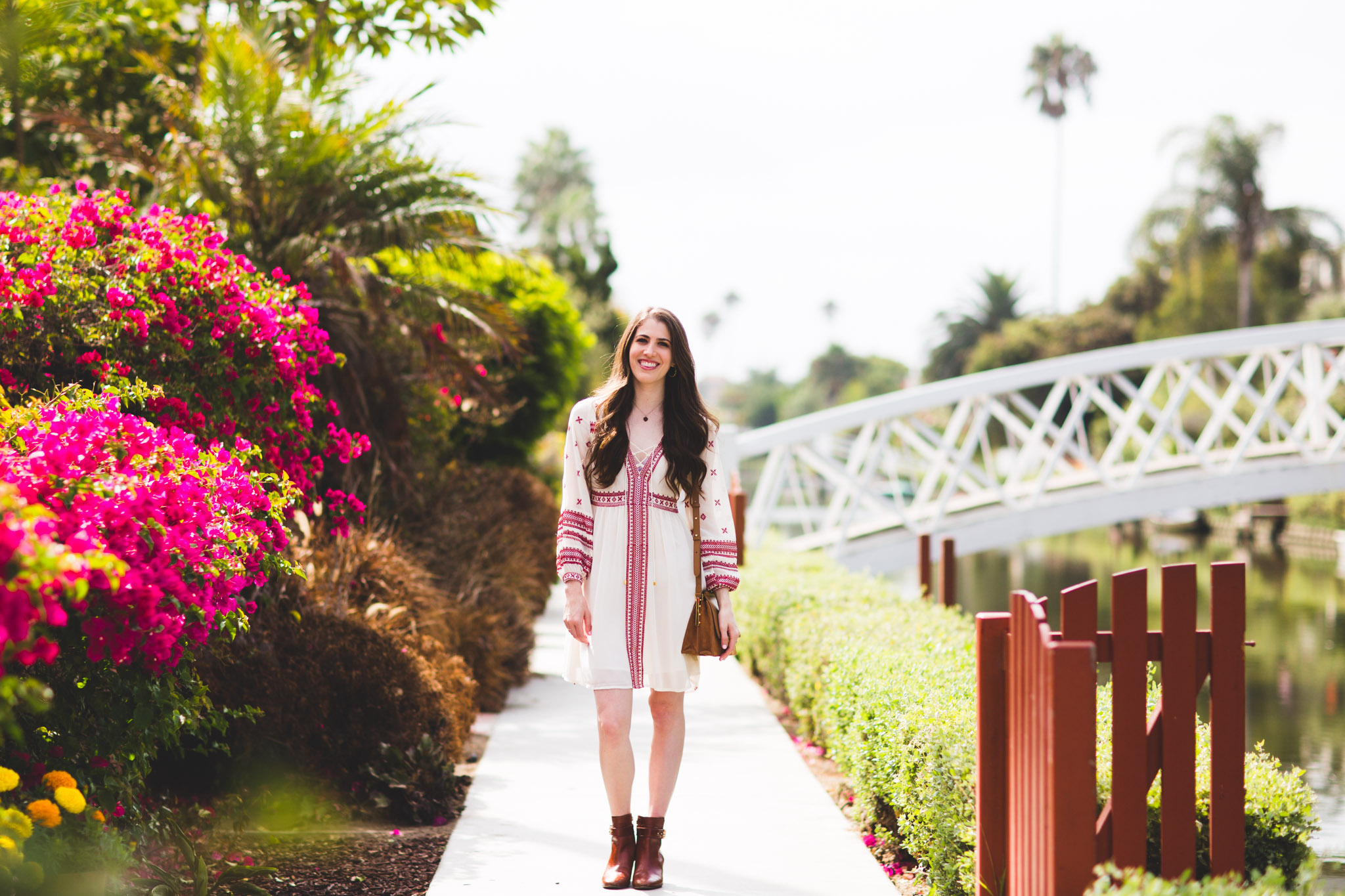 Venice Canals Los Angeles fashion blogger